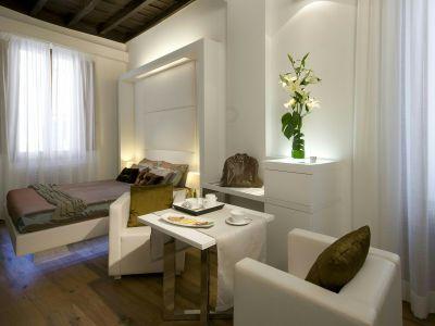 gigli-d-oro-suite-rome-suite-classic-3