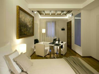 gigli-d-oro-suite-roma-suite-classic-5