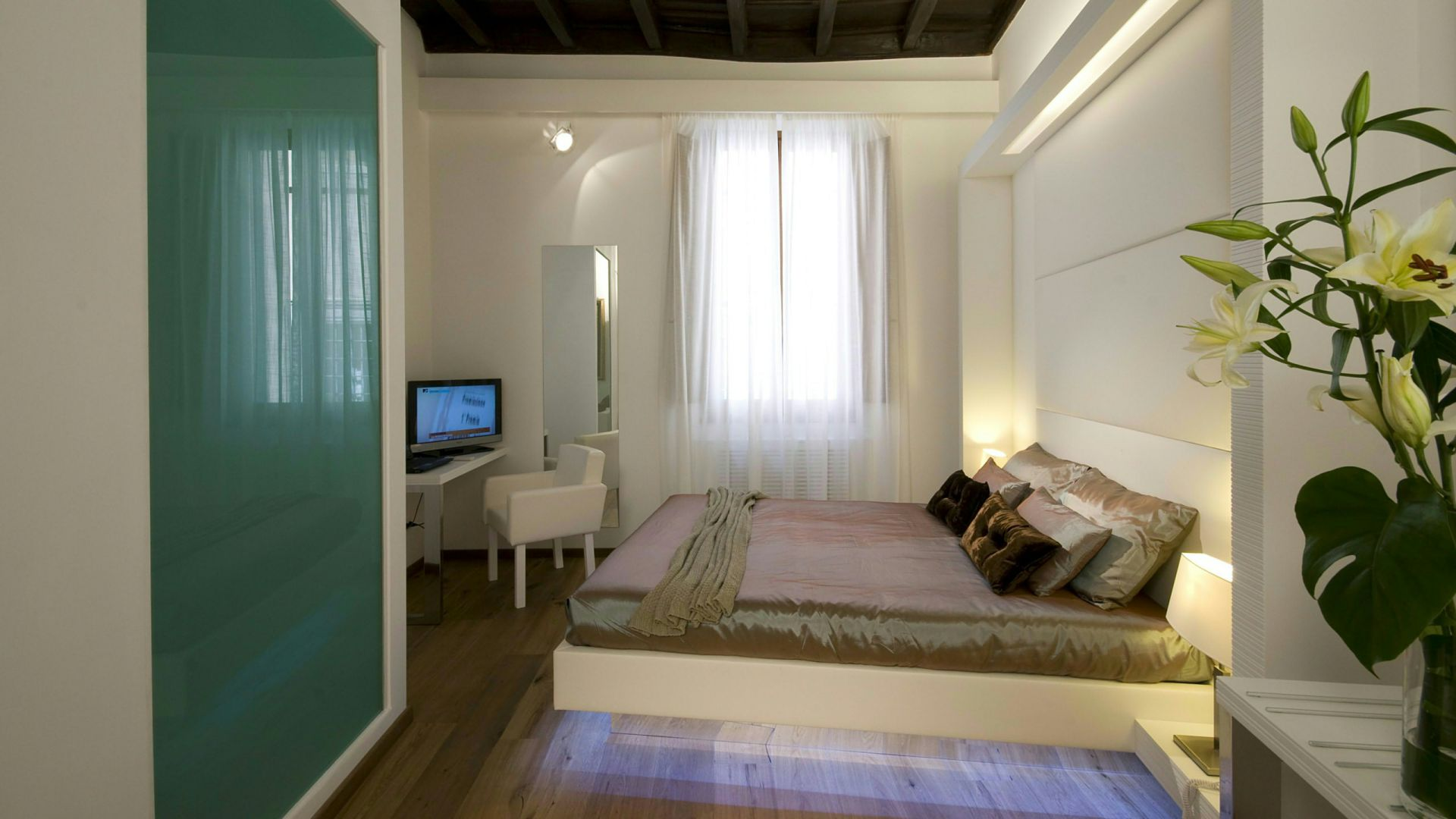 gigli-d-oro-suite-roma-suite-classic-1