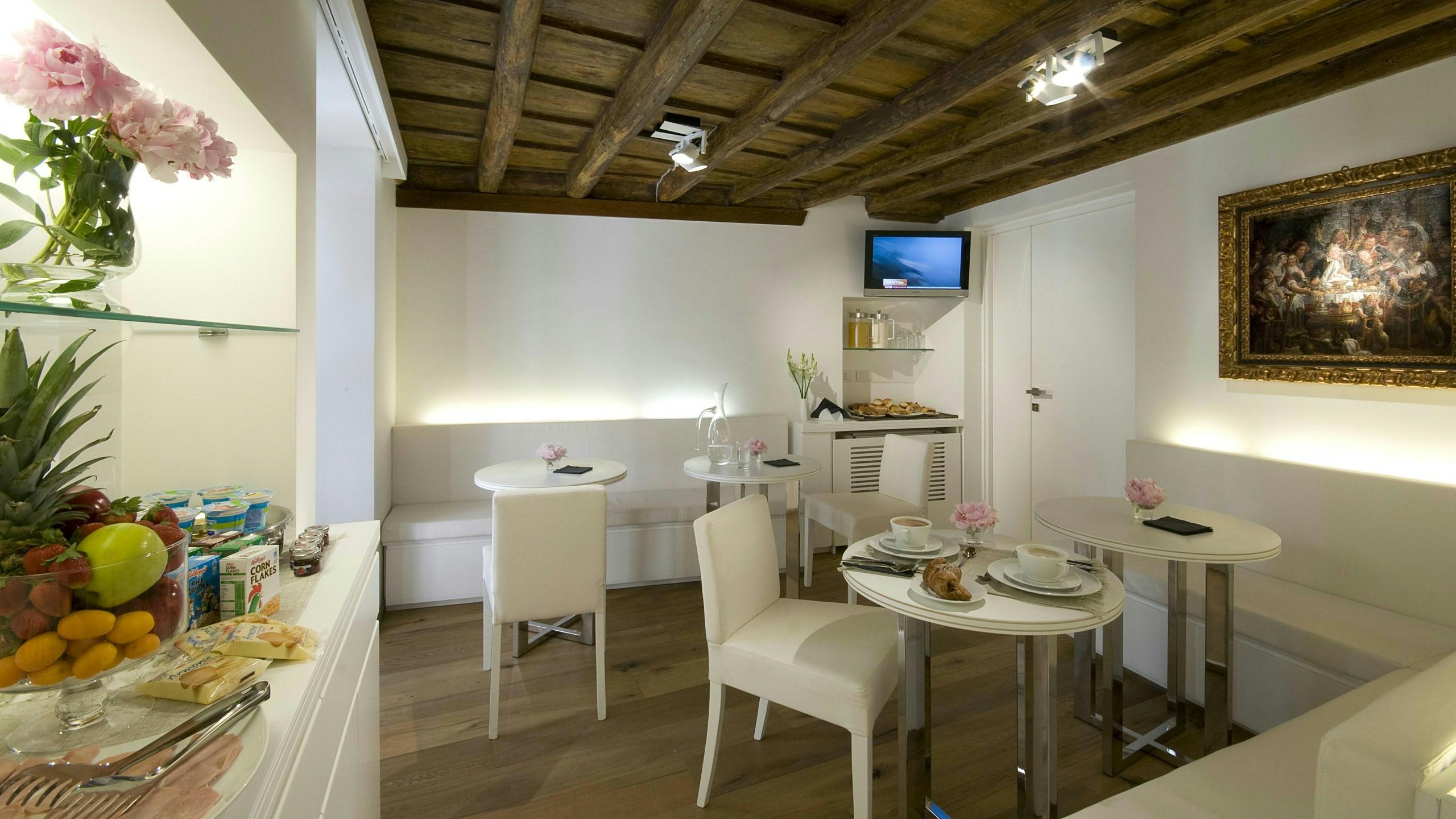 gigli-d-oro-suite-rom-breakfast-1