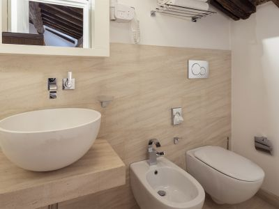 Gigli-d-oro-suite-Roma-suite-exclusive-2021-bagno-2
