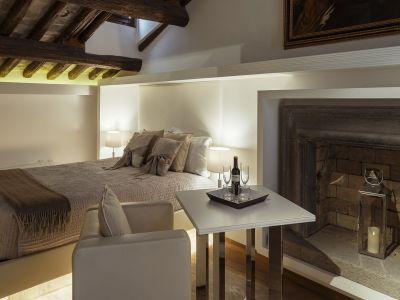 Gigli-d-oro-suite-Roma-suite-exclusive-2021-stanza-1