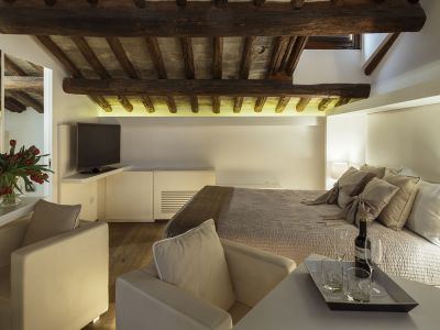 Gigli-d-oro-suite-Roma-suite-exclusive-2021-stanza-2