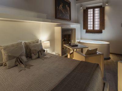 Gigli-d-oro-suite-Roma-suite-exclusive-2021-stanza-3