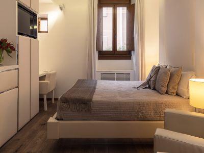 Gigli-d-oro-suite-Roma-suite-executive-2021-stanza-4