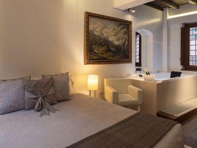 Gigli-d-oro-suite-Roma-suite-executive-2021-stanza-5