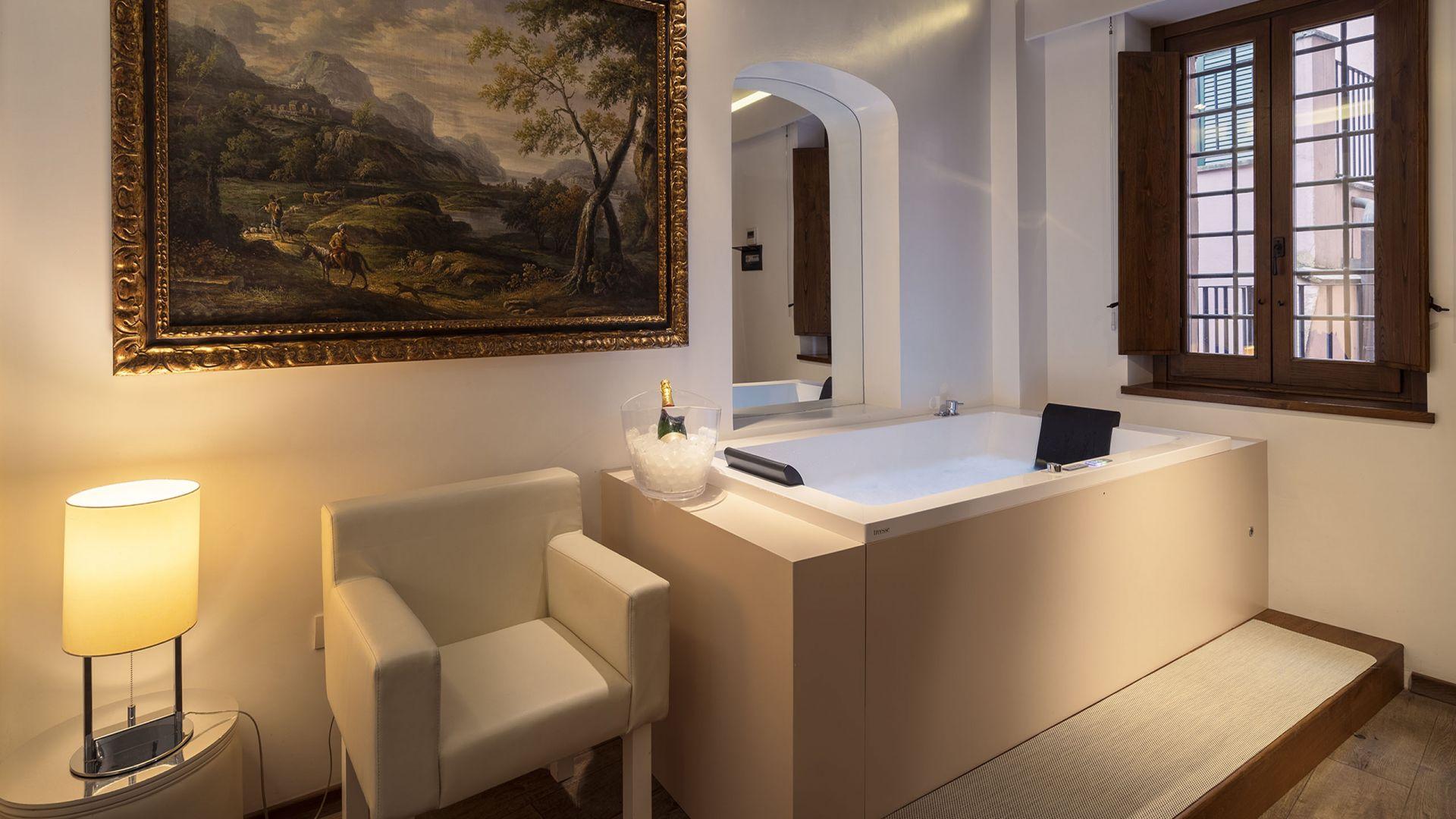 Gigli-d-oro-suite-Roma-suite-executive-2021-vasca-2